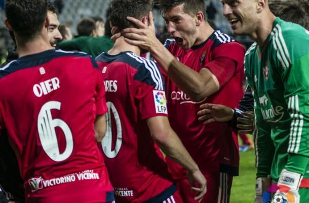 David García y Roberto Torres celebrando la clasificación al Playoff. Foto: La Liga