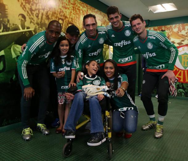 A familía de Fabiano de Lima conheceu o Allianz Parque( Foto: Cesar Greco / Ag Palmeiras/ Divulgação)