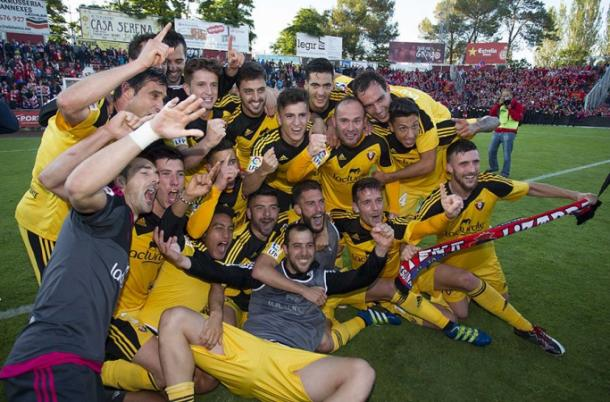 Los jugadores de Osasuna celebran el ascenso a Primera. Foto: www.osasuna.es