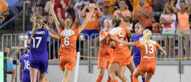 Houston Dash goal celebration against the Orland Pride | Photo: Wilf Thorne/Houston Dynamo