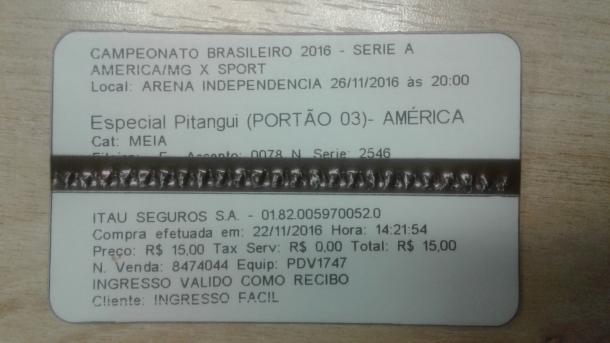 Número de série do ingresso valeu para sorteio de brindes (Foto: Matheus Adler/VAVEL Brasil)