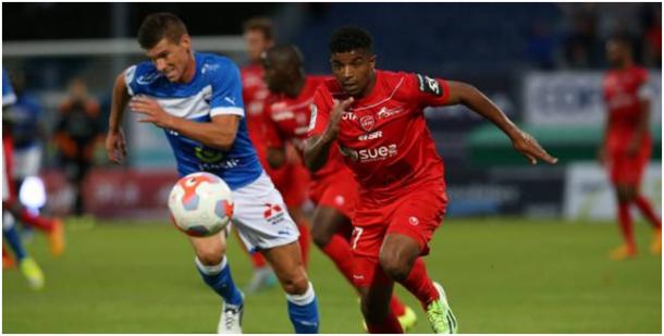 Pierre Slidja se unió Clermont, 7º en la Ligue 2 última temporada. (R. Perrocheau / Reuters)