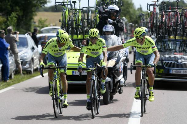 Contador ayudado por sus gregarios en el Tour de 2016 | Foto: Tinkoff Oficial