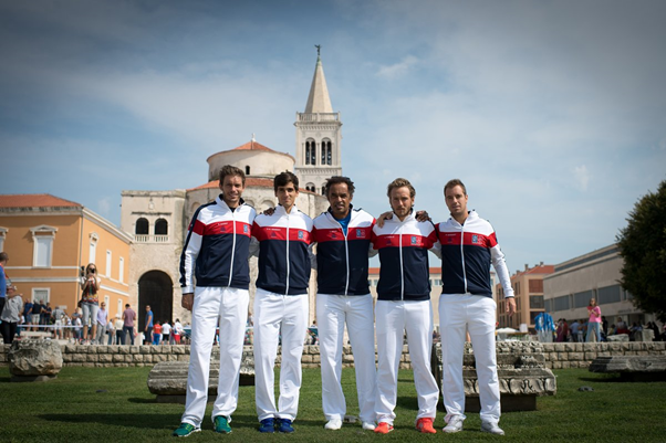 French team pose for pictures (Photo: FFT)