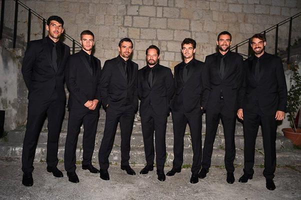 Croatia team poser for pictures in suit (Photo: Borna Coric)