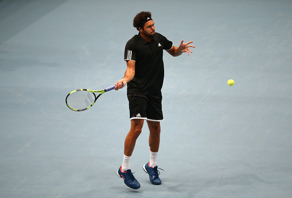 Jo-Wilfried Tsonga hits a forehand in his Tie Break Tens match against Andy Murray (Photo: Jordan Mansfield/Getty Images)