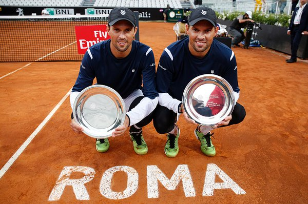 The Bryans Brothers with their fourth Internazionali BNL d'Italia title (Photo: @InteBNLdItalia)