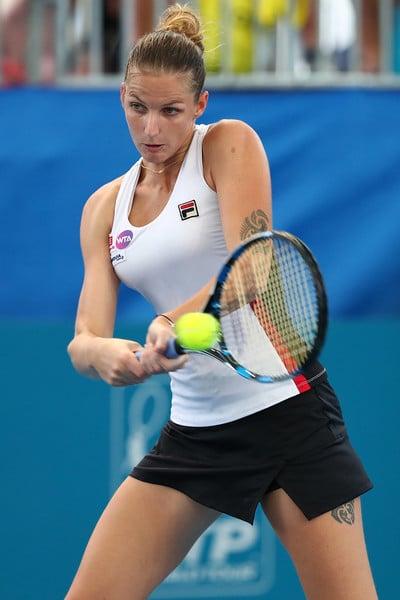 Karolina Pliskova hits a backhand | Photo: Chris Hyde/Getty Images AsiaPac