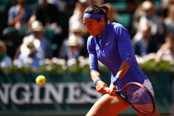 Caroline Garcia hits a backhand | Photo: Adam Pretty/Getty Images Europe