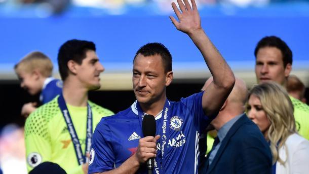 Terry dejó Chelse entre lagrimas y ovaciones | Foto: Premier League.