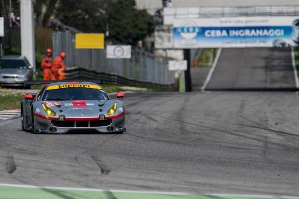 André Molina da equipe Spirit of Race, liderou na classe GTE-AM. (Marius Hecker – AdrenalMedia.com)
