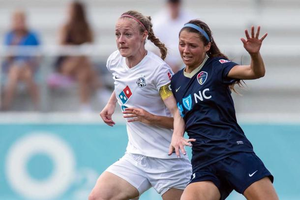 Becky Sauerbrunn and Ashley Hatch battle it out during the season (Photo Courtesy of Shane Lardinois