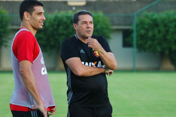 Confirmado entre os 11, Diego Souza é a esperança positiva no ataque leonino (Foto: Williams Aguiar/Sport)