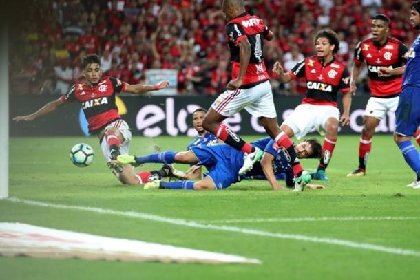 Responsável por substituir Guerrero, Paquetá teve mais uma boa atuação como referência | Foto: Gilvan de Souza/Flamengo