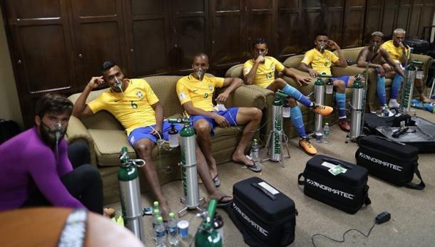 Selección brasileña recuperando oxígeno en La Paz / FOTO: CBF Futebol