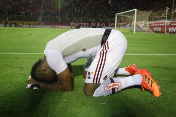 De criticado o ano todo a decisivo: Vaz marcou o gol de empate e se emocionou no apito final | Foto: Gilvan de Souza/Flamengo