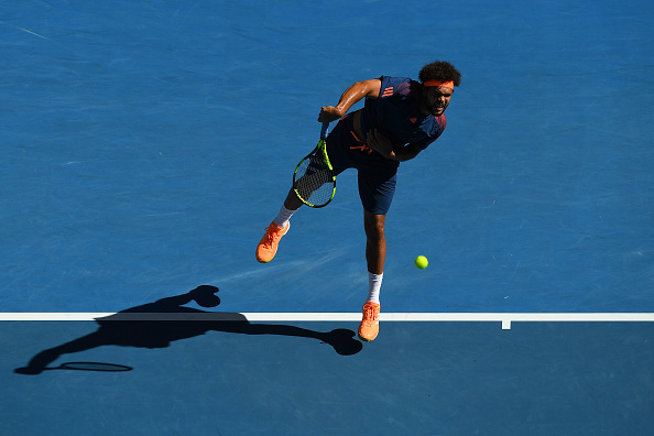Jo-Wilfried Tsonga hard at work (Photo: Quinn Rooney/Getty Images)