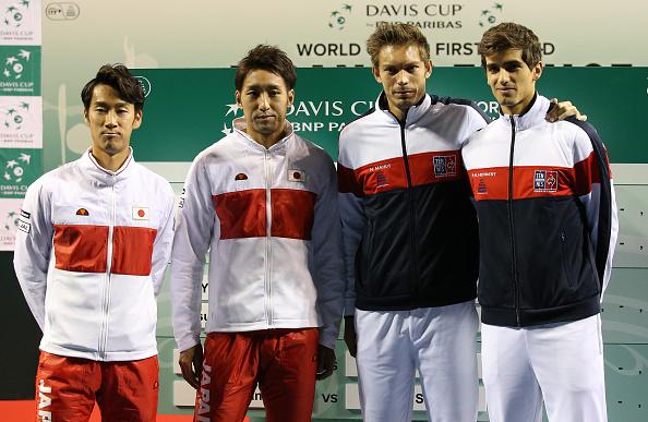 Yuichi Sugita and Yasutaka Uchiyama of Japan and Nicolas Mahut and Pierre-Hughes Herbert of France pose during the draw ceremony (Photo: Jean Catuffe/Getty Images)