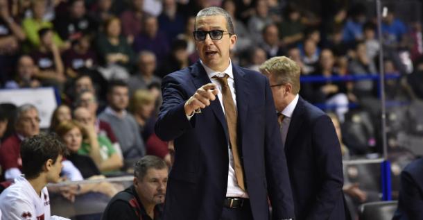 Coach De Raffaele. | Fonte immagine: Reyer Venezia