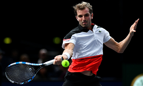 Julien Benneteau strikes a forehand (Photot: Dan Mullan/Getty Images)
