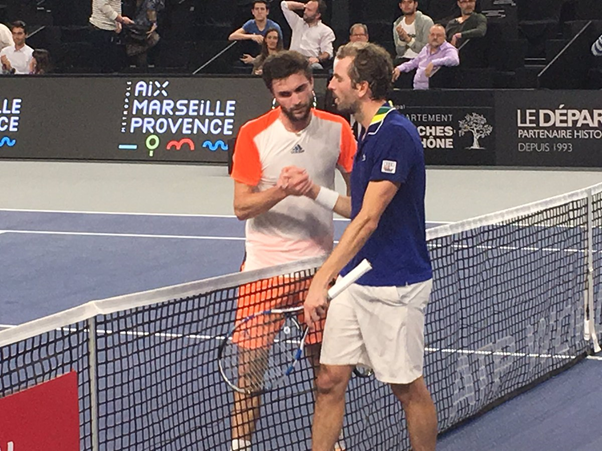 Gilles Simon and Julien Benneteau shake hands after their three-set encounter (Photo: Open13)