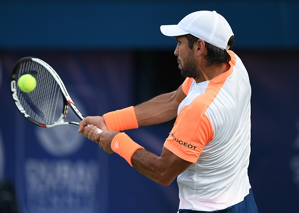 Fernando Verdasco plays a backhand shot (Photo: Tom Dulat/Getty Images)
