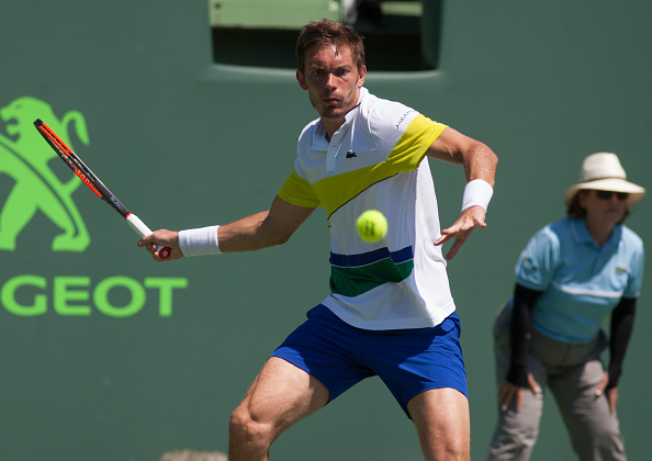 Nicolas Mahut gears up to strike a forehand shot (Photo: Aaron Gilbert/Getty Images)