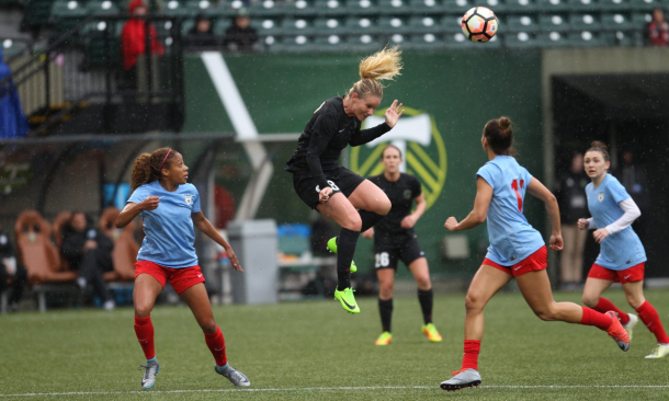 Amandine Henry going for the ball against the Chicago Red Stars/ Photo: Thorn's twitter @ThornsFC