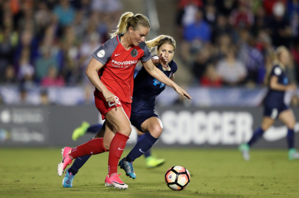 Amandine Henry against NC Courage/ Photo: Portland Thorn's twitter @ThornsFC