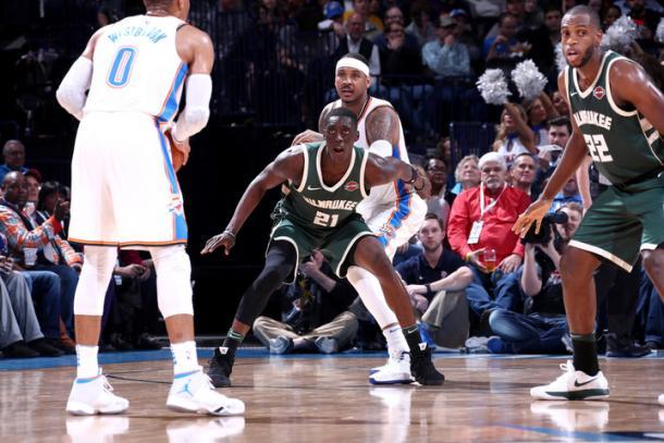 Westbrook apenas encontró apoyos en sus compañeros | Foto: nba.com/bucks vía Getty Images