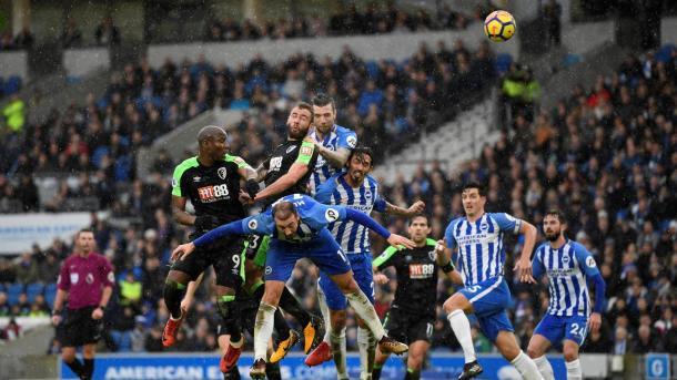 Lucha aérea. Foto: Premier League