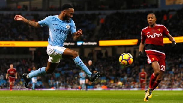 Sterling empuja a gol en el minuto 1. Foto: Premier League