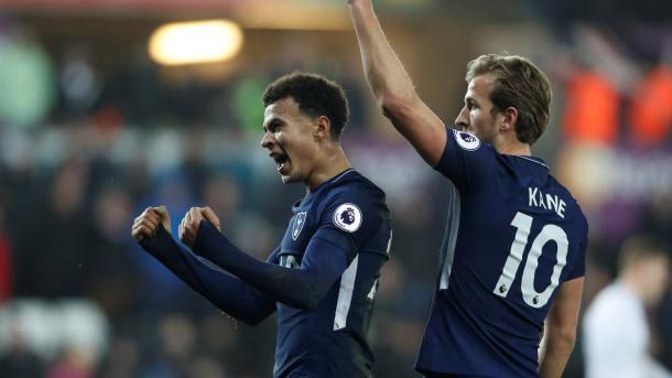 Alli y Kane festejan la victoria de Tottenham | Foto: Premier League.