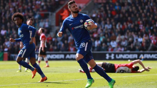 Giroud fue figura en el último choque entre ambos, marcando dos goles en la victoria 3-2 | Foto: Premier League.