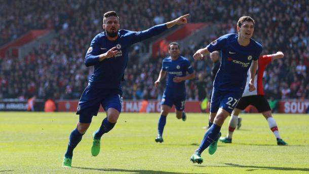 Giroud festeja el tanto que le dio la remontada a Chelsea | Foto: Premier League.