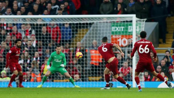 Lovren en el 1-0. Foto: Premier League.