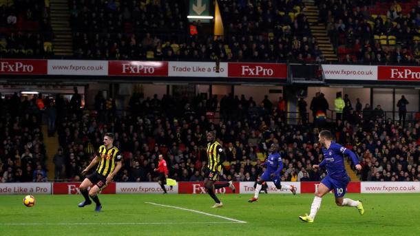 Hazard en su primer gol. Foto: Premier League.