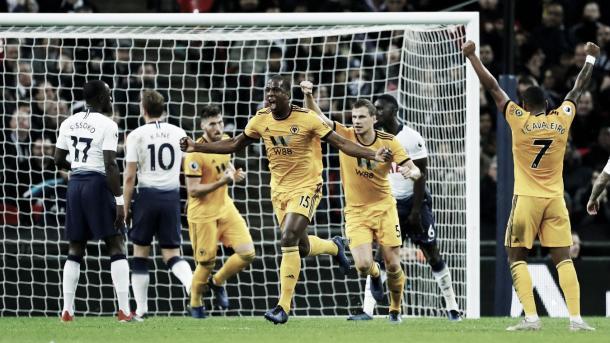 Boly puso el 1-1. Foto: Premier League.