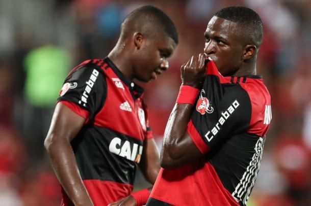 Lincoln e Vinicius Junior, jovens da base rubro-negra (Foto: Gilvan de Souza/Flamengo)