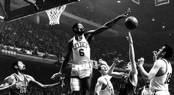 Bill Russell, el señor de los anillos y uno de los mejores defensores interiores de la historia   Foto: NBA.com