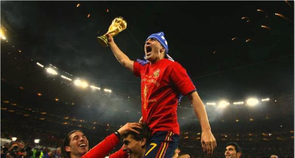 David Villa con la copa del mundo. | Sef