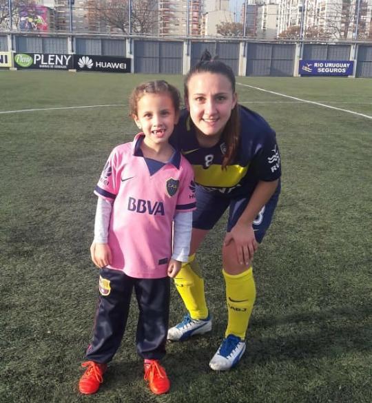 Alma Mora Adamo y Constanza Vázquez; jugadora de Boca