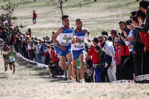Carlos Mayo y Toni Abadía liderando la prueba. / Foto TrackMedia.
