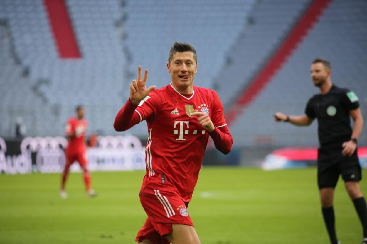 Con los tres goles de la primera vuelta, Robert Lewandowski ha conseguido marcar 35 goles en esta temporada./Twitter: Bayern Múnich oficial