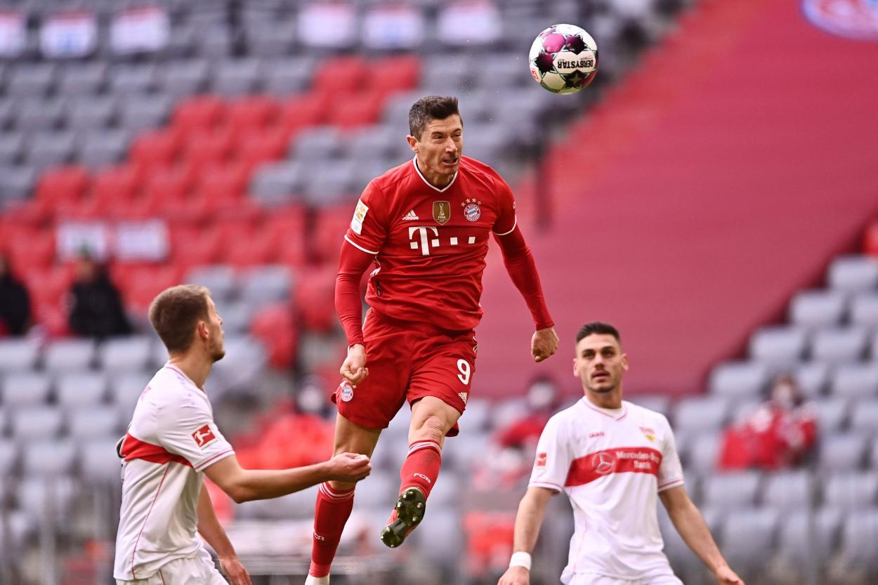 Segundo gol de Lewandowski contra el Stuttgar. /Twitter: Bayern Múnich oficial
