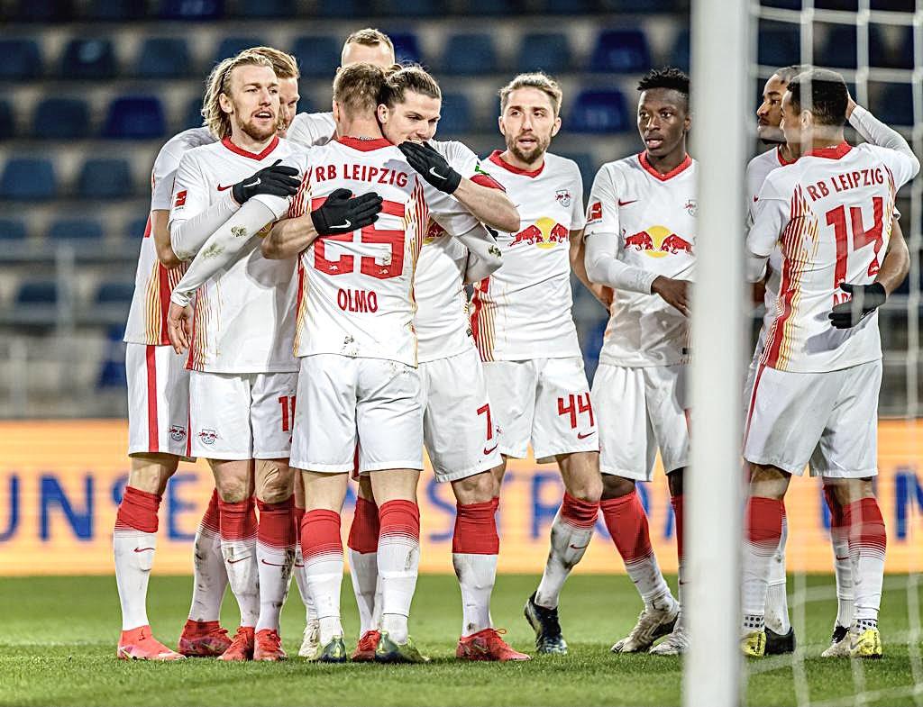 Sabitzer fue el encargado de marcar el gol del triunfo. /Twitter: Die Roten Bullen oficial
