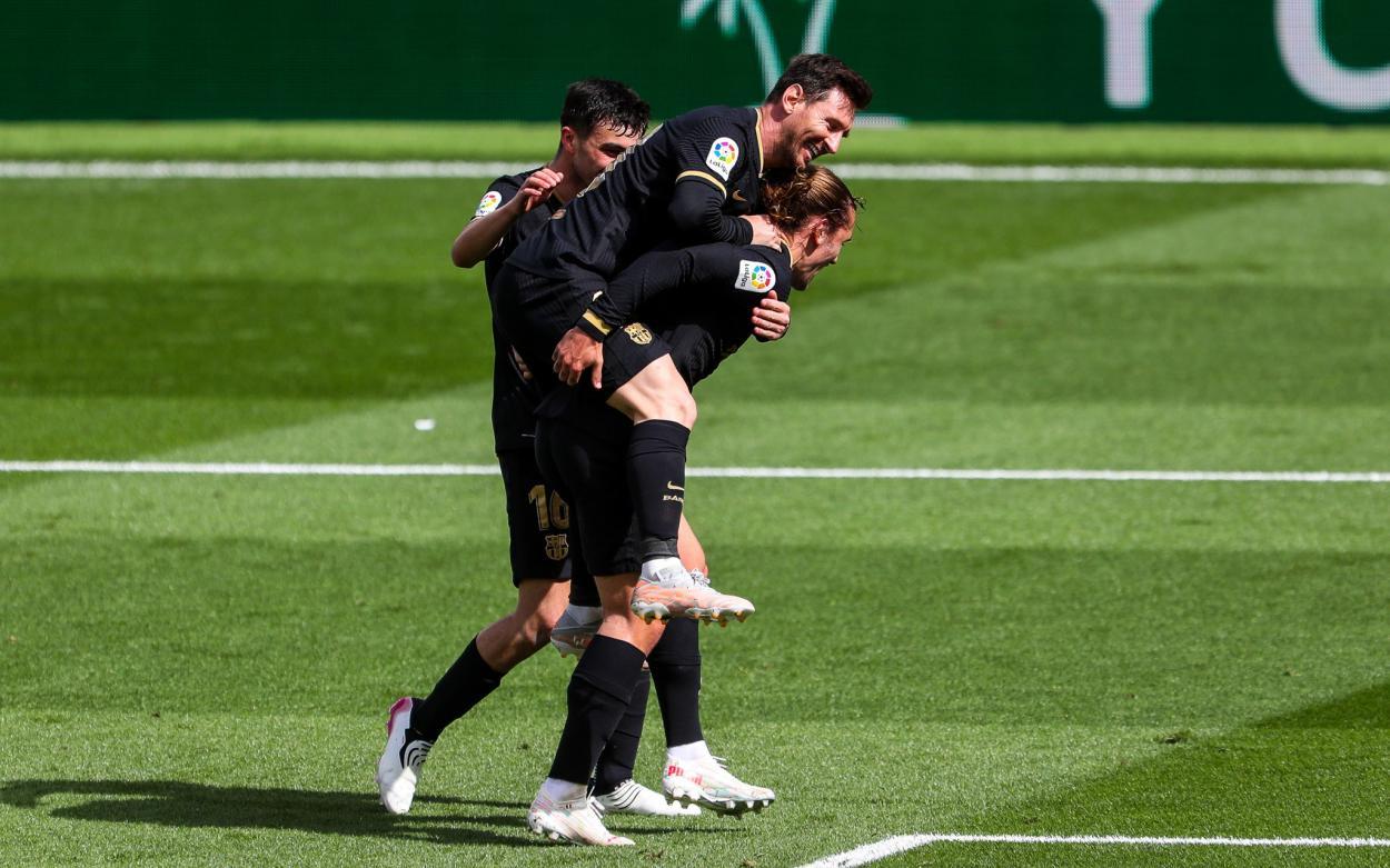Messi comemorando o gol de Griezmann (Foto: Divulgação/FC Barcelona)