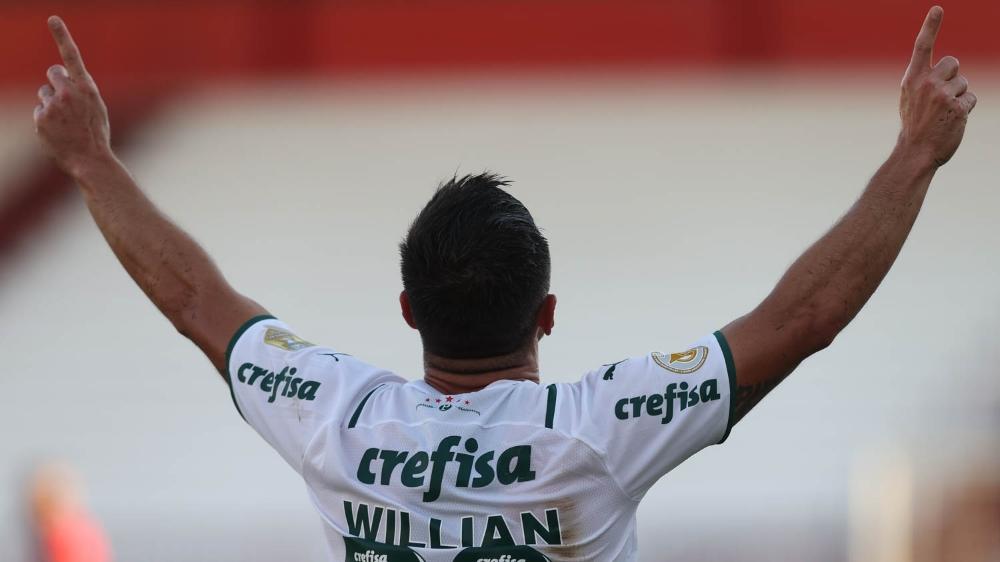 Willian comemorando o primeiro gol (Foto: Cesar Greco/Palmeiras)
