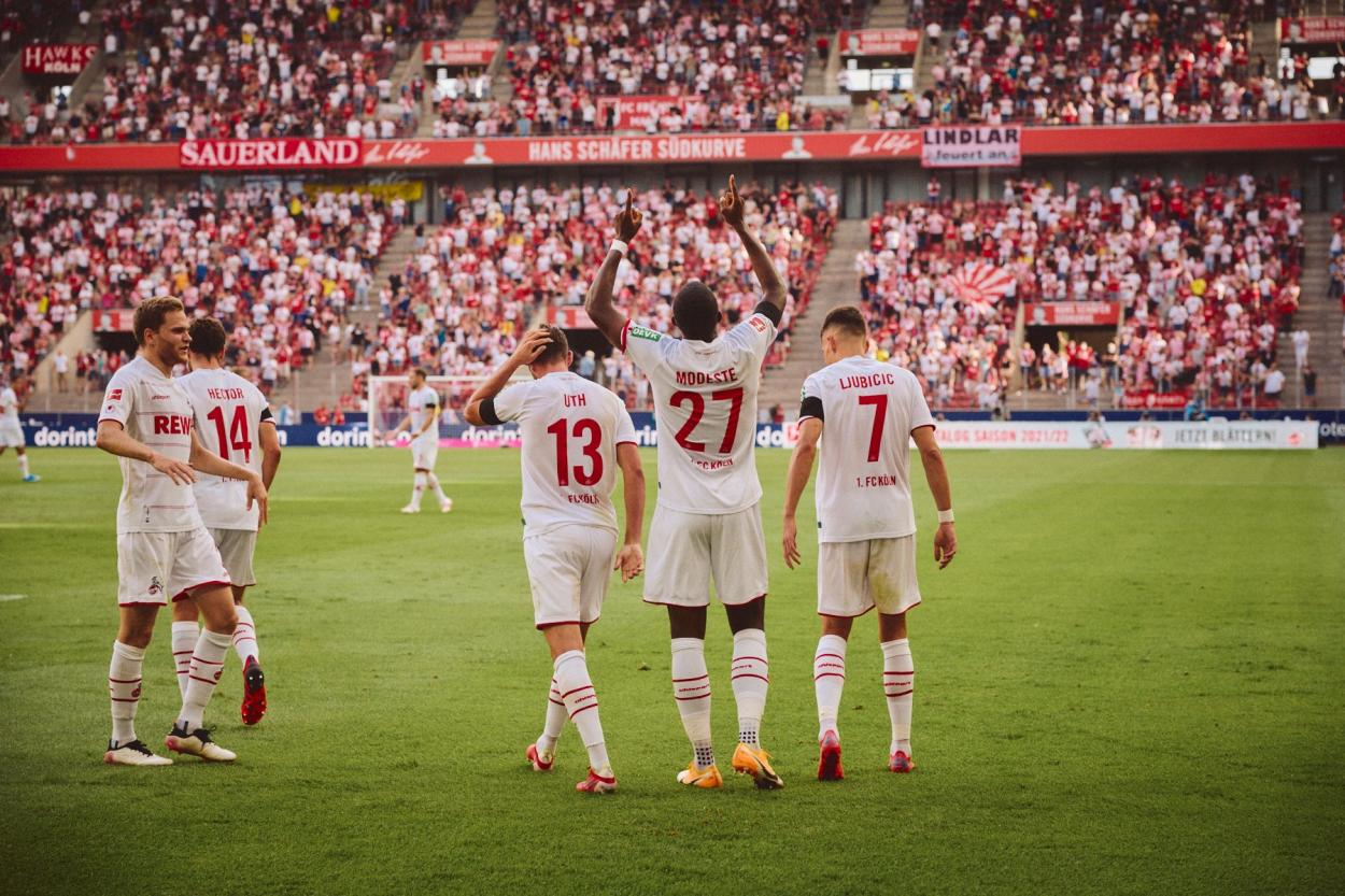 Twitter: 1. FC Cologne oficial