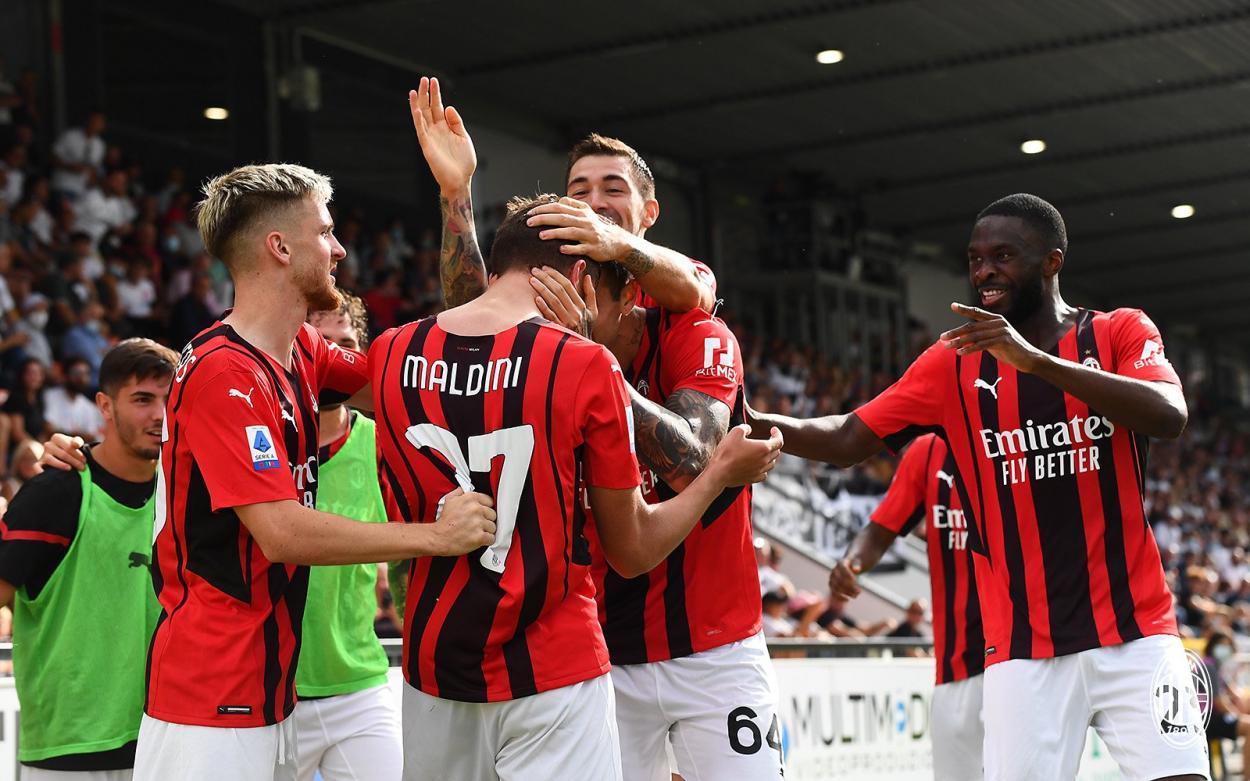 Twitter: AC Milan oficial